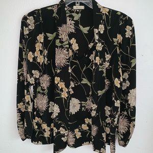 Euc Floral blouse Medium